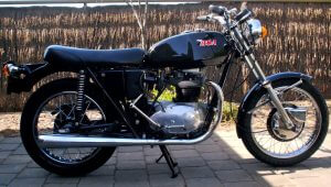 black retro motorcycle